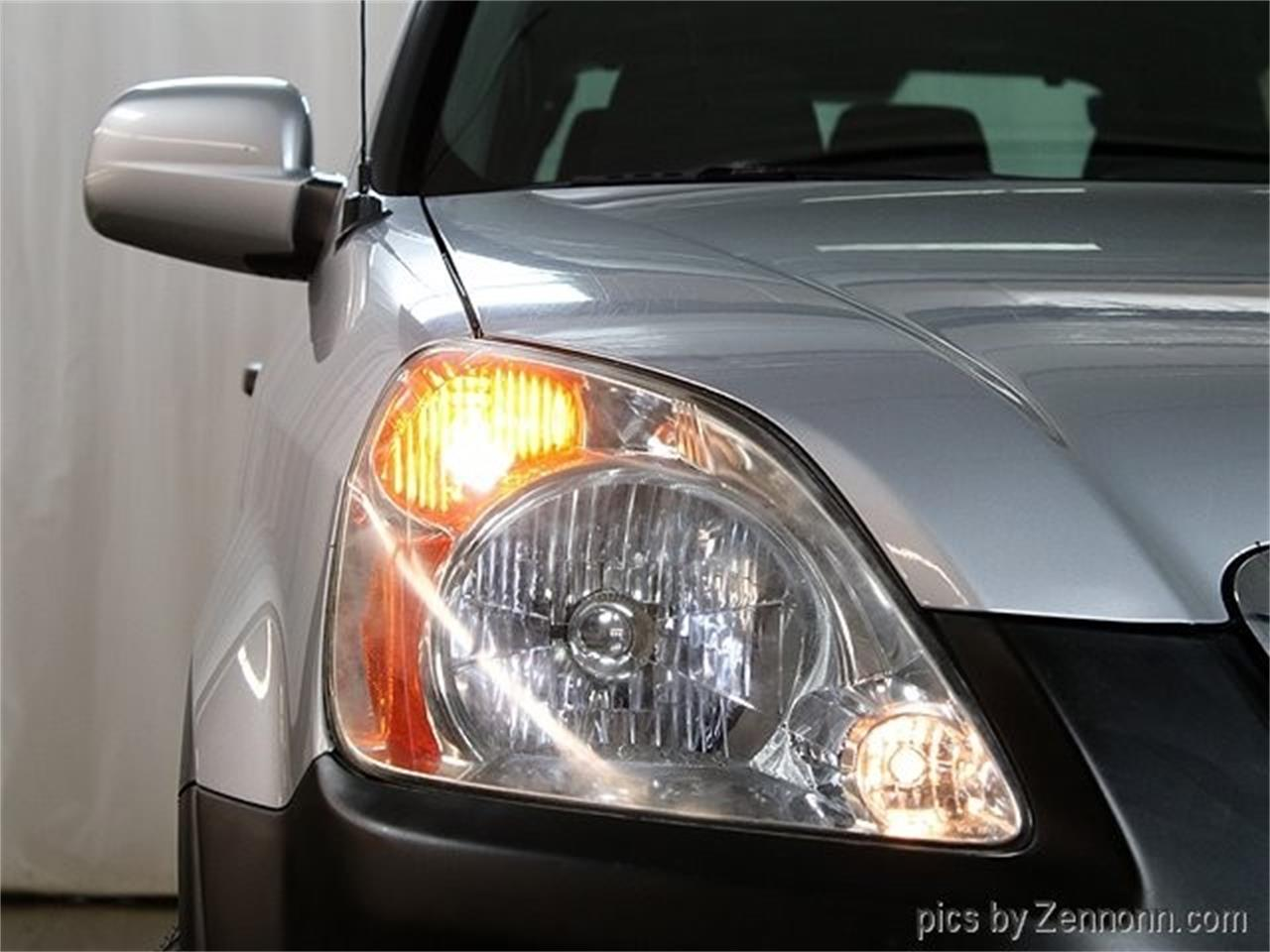 Large Picture of '04 Honda CRV Offered by Auto Gallery Chicago - PW0D