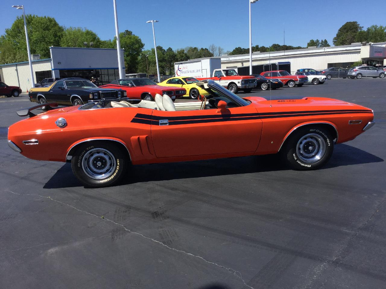 Large Picture of '71 Challenger - PW17