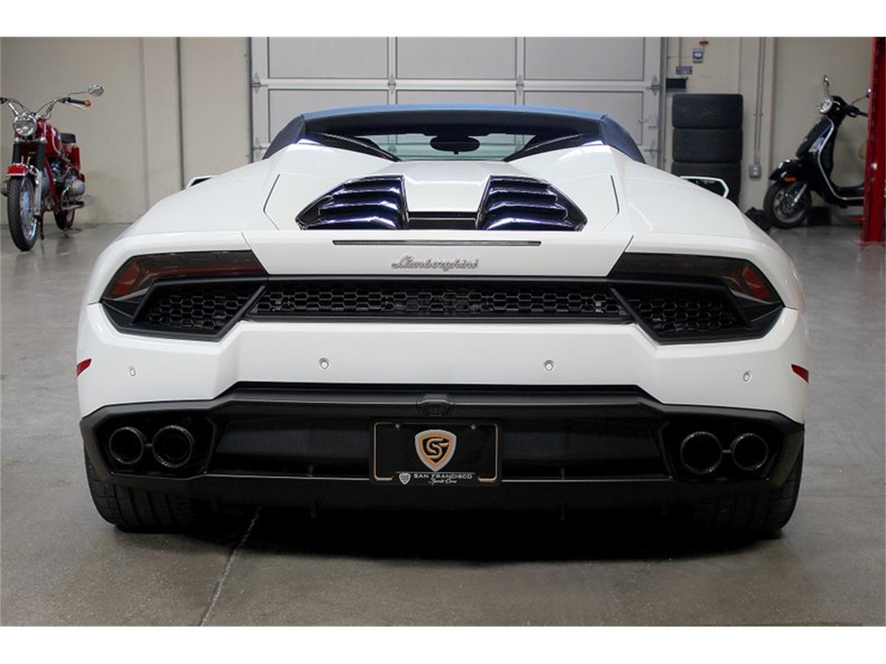 Large Picture of '17 Huracan - PW1E