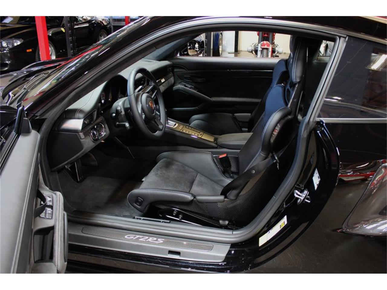 Large Picture of 2018 Porsche 911 located in California - $369,995.00 - PW1G