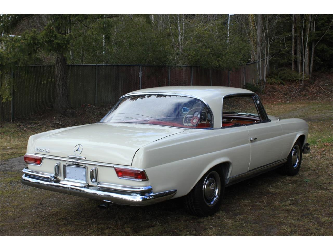 Large Picture of '63 220SE Offered by Lucky Collector Car Auctions - PW4K