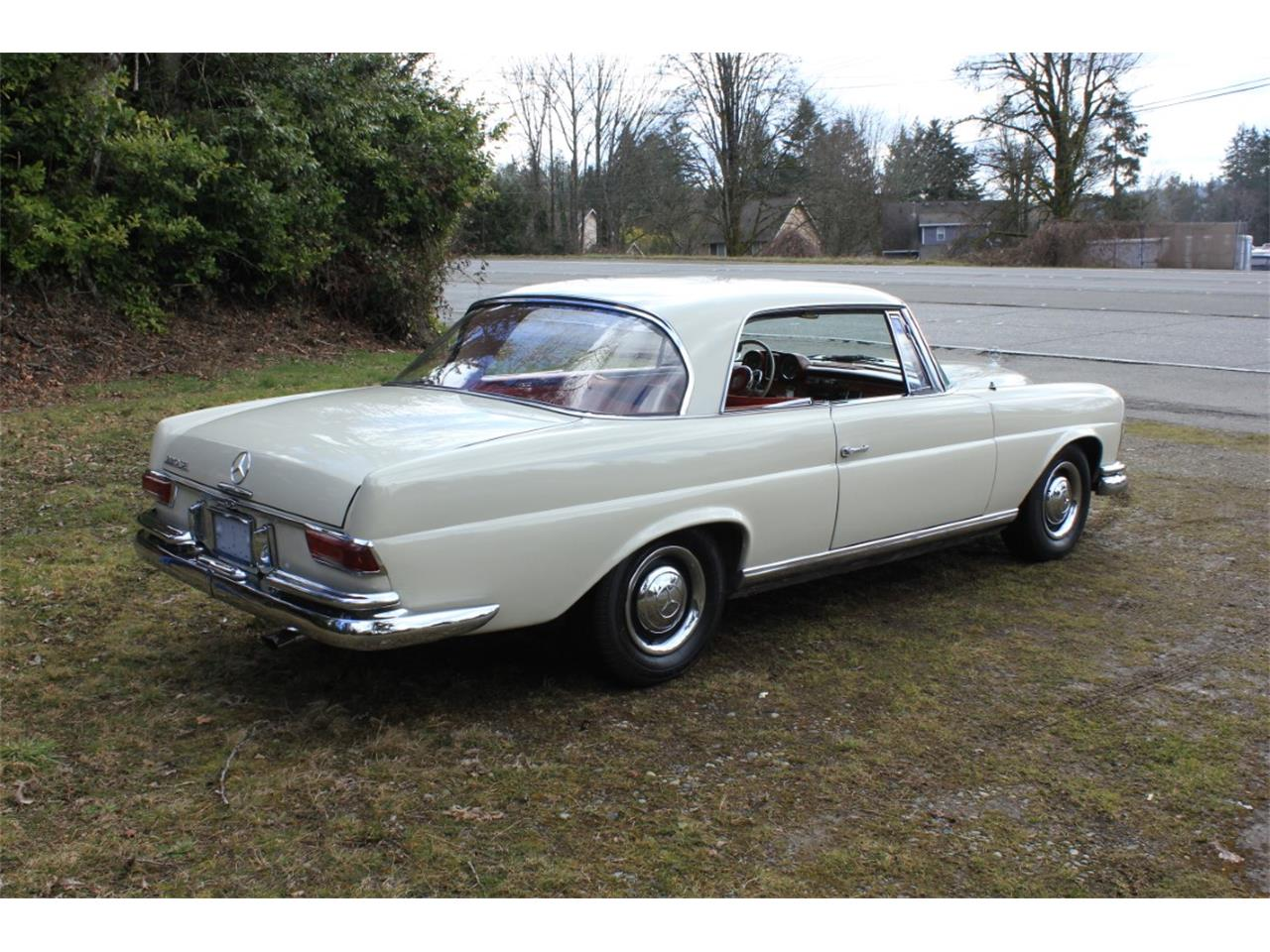 Large Picture of '63 Mercedes-Benz 220SE located in Tacoma Washington Auction Vehicle - PW4K