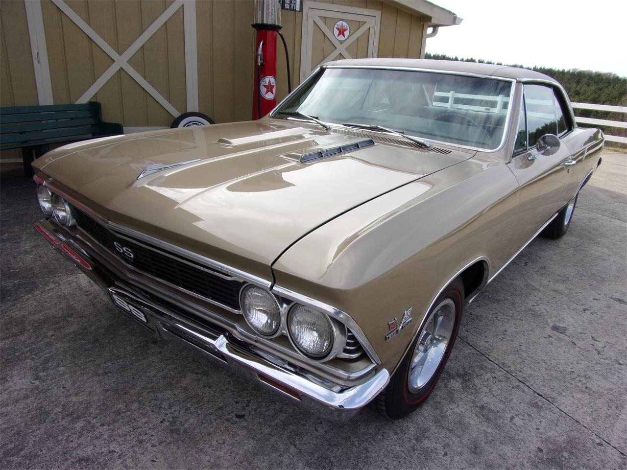 Large Picture of '66 Chevelle SS - PW68