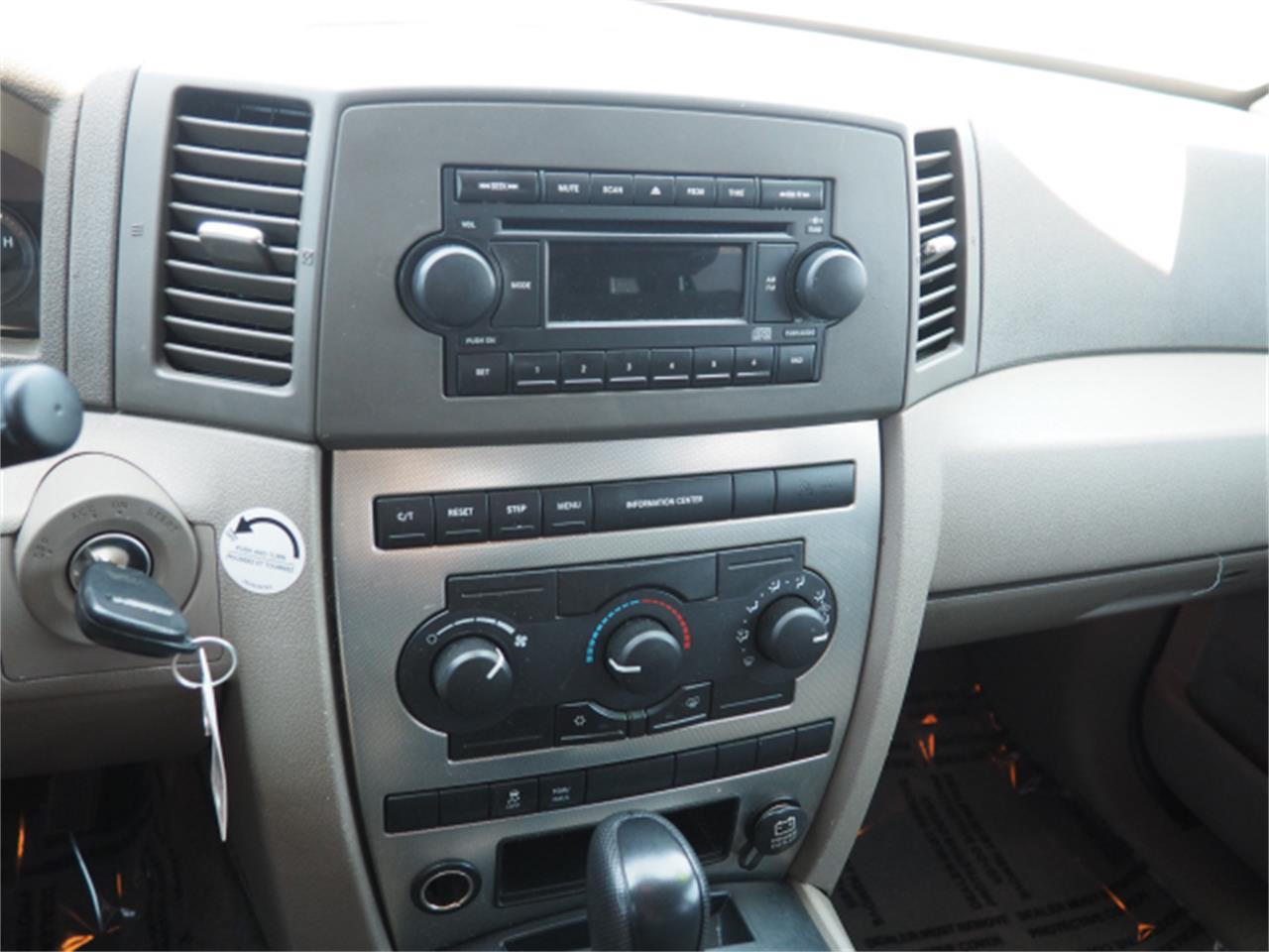Large Picture of '05 Grand Cherokee - PQJU