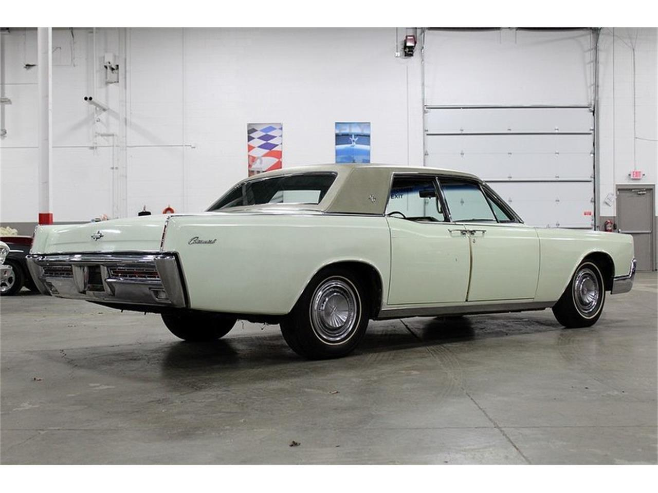 Large Picture of '67 Continental - PW7M