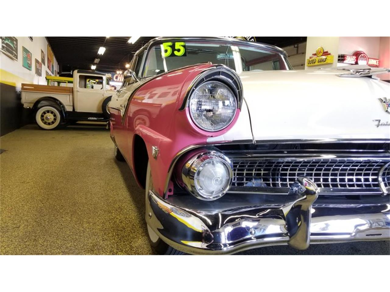 Large Picture of Classic '55 Crown Victoria - $39,900.00 - PW8I