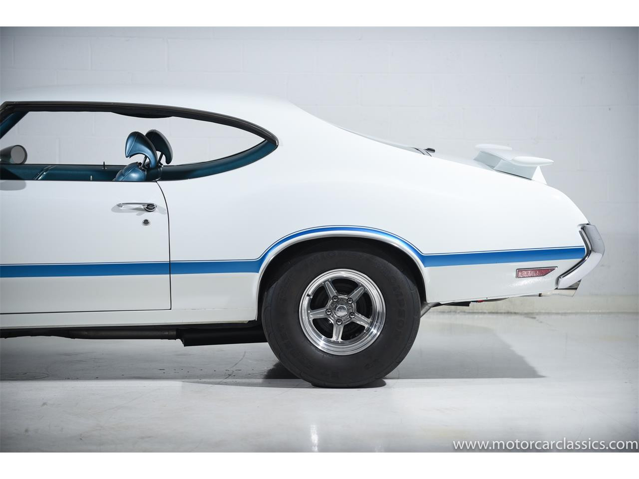 Large Picture of '70 Cutlass - PW93