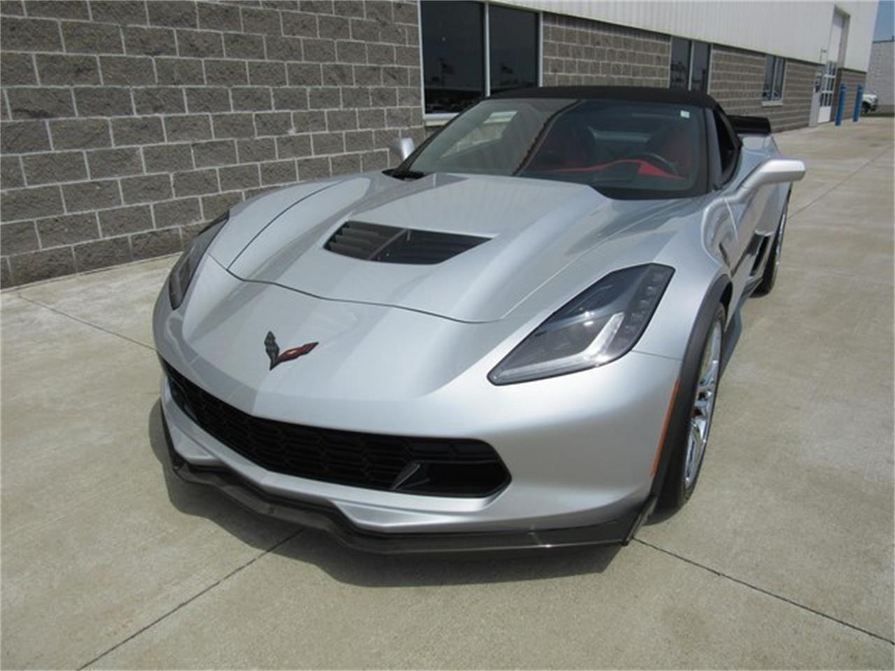 Large Picture of '15 Corvette located in Greenwood Indiana - $75,000.00 Offered by Ray Skillman Classic Cars - PW9R