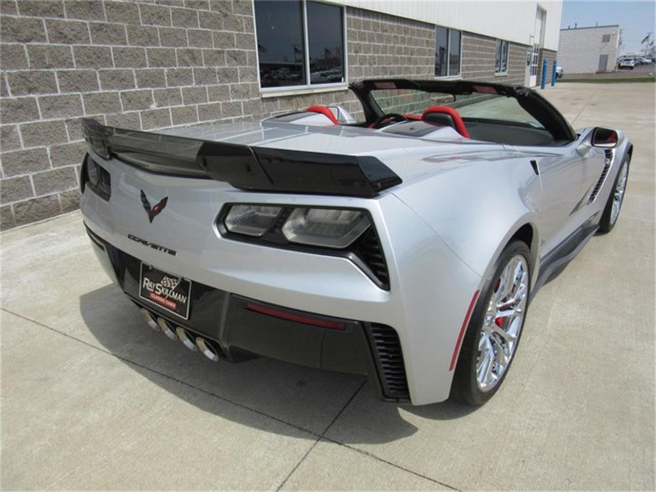 Large Picture of 2015 Chevrolet Corvette located in Greenwood Indiana - PW9R
