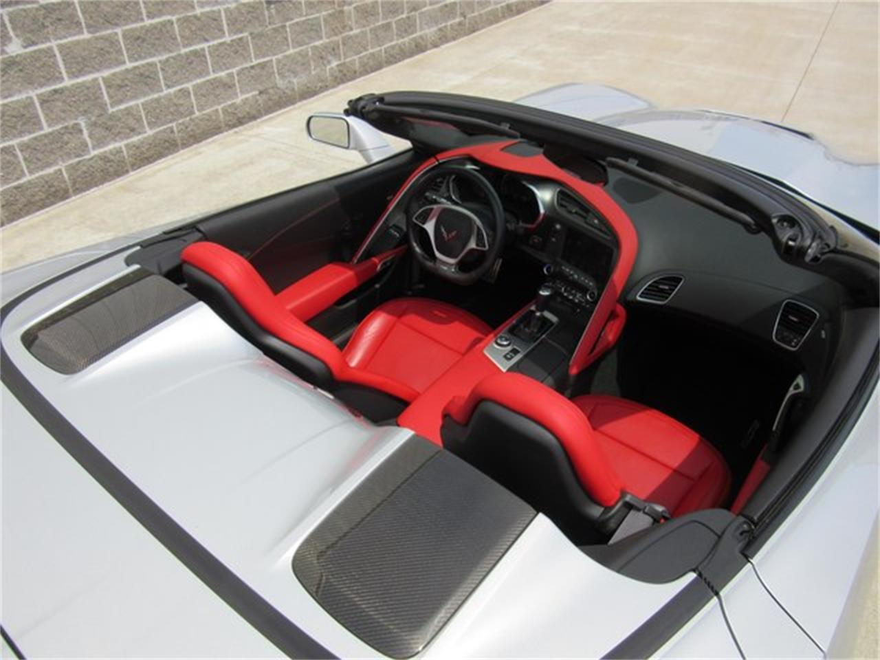 Large Picture of '15 Corvette Offered by Ray Skillman Classic Cars - PW9R