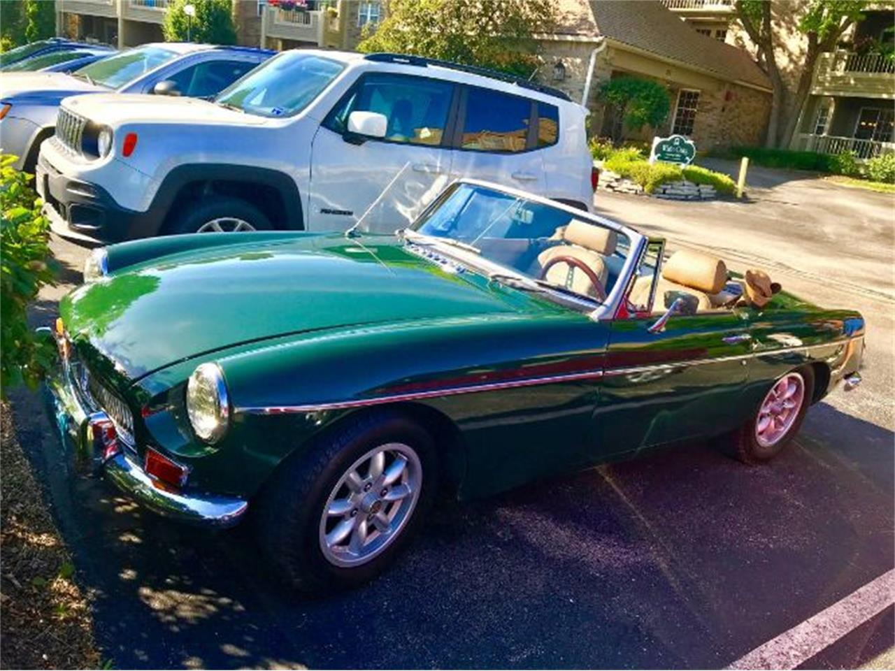 Large Picture of '68 MGB - PWEG