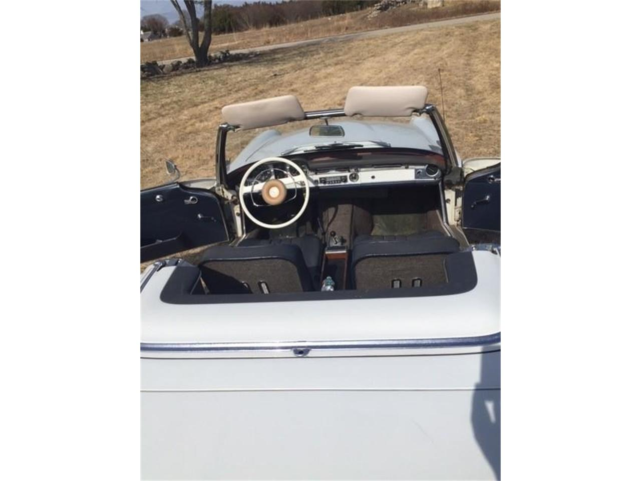 Large Picture of Classic '66 Mercedes-Benz 230SL Offered by a Private Seller - PWFF