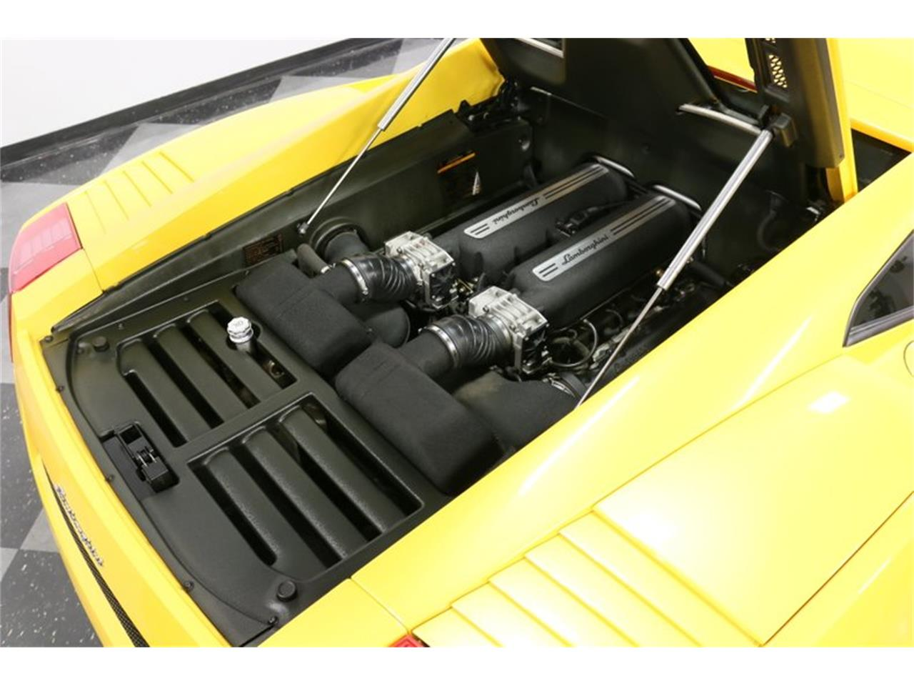 Large Picture of '04 Lamborghini Gallardo located in Texas - $99,995.00 Offered by Streetside Classics - Dallas / Fort Worth - PWGV