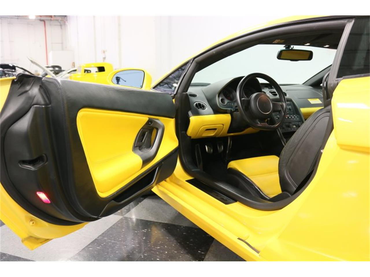 Large Picture of '04 Gallardo - $99,995.00 Offered by Streetside Classics - Dallas / Fort Worth - PWGV