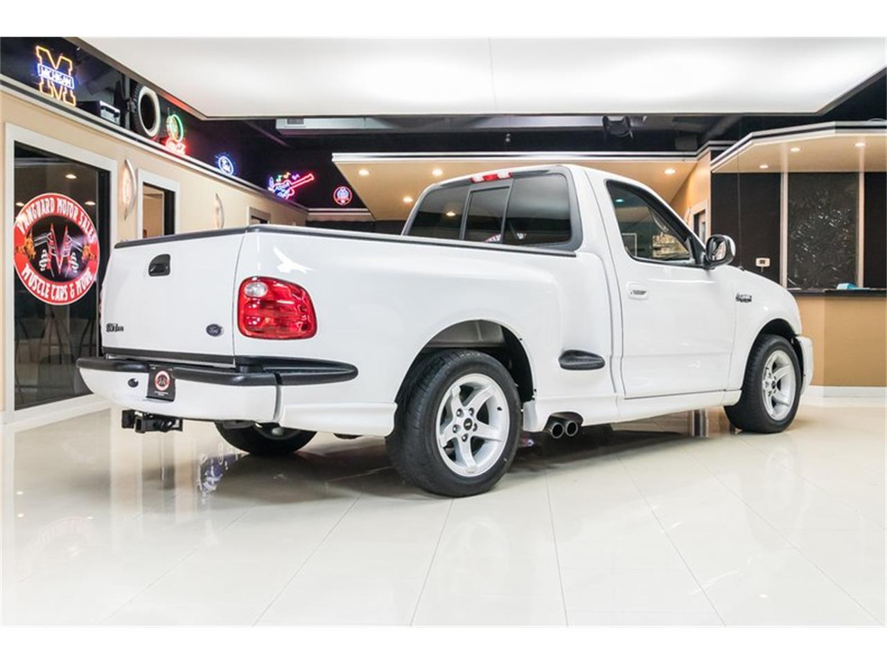 Large Picture of 2000 Ford F150 - $39,900.00 Offered by Vanguard Motor Sales - PWH0