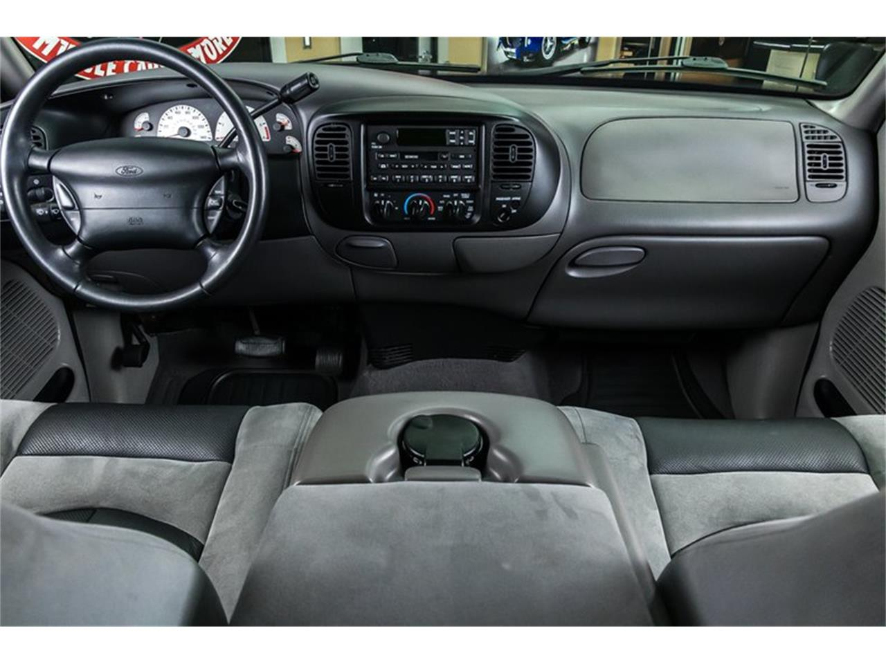 Large Picture of 2000 Ford F150 located in Michigan Offered by Vanguard Motor Sales - PWH0