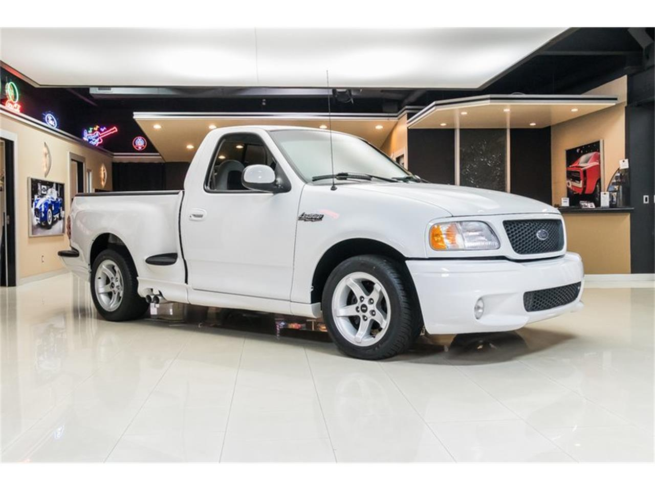 Large Picture of '00 F150 - $39,900.00 Offered by Vanguard Motor Sales - PWH0