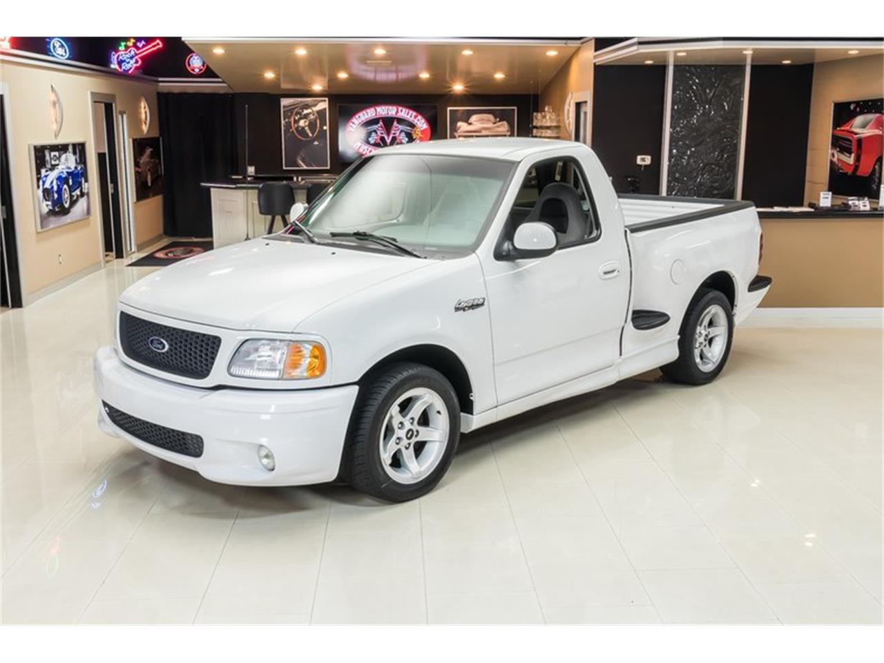 Large Picture of '00 Ford F150 located in Plymouth Michigan - PWH0