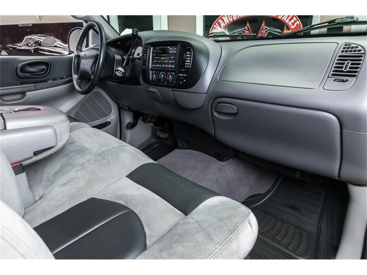 Large Picture of '00 Ford F150 located in Michigan - $39,900.00 - PWH0