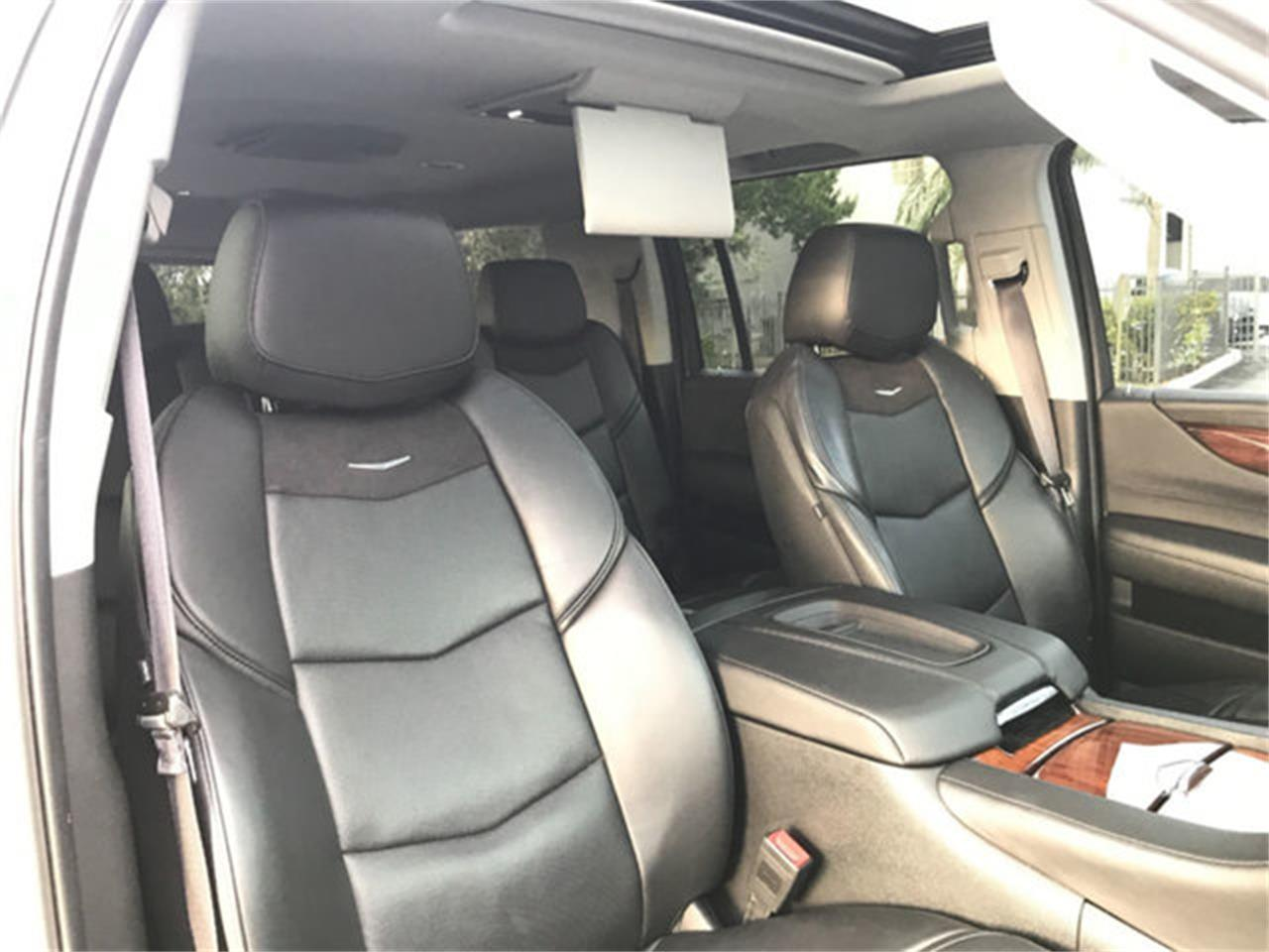 Large Picture of '15 Escalade - PQL8