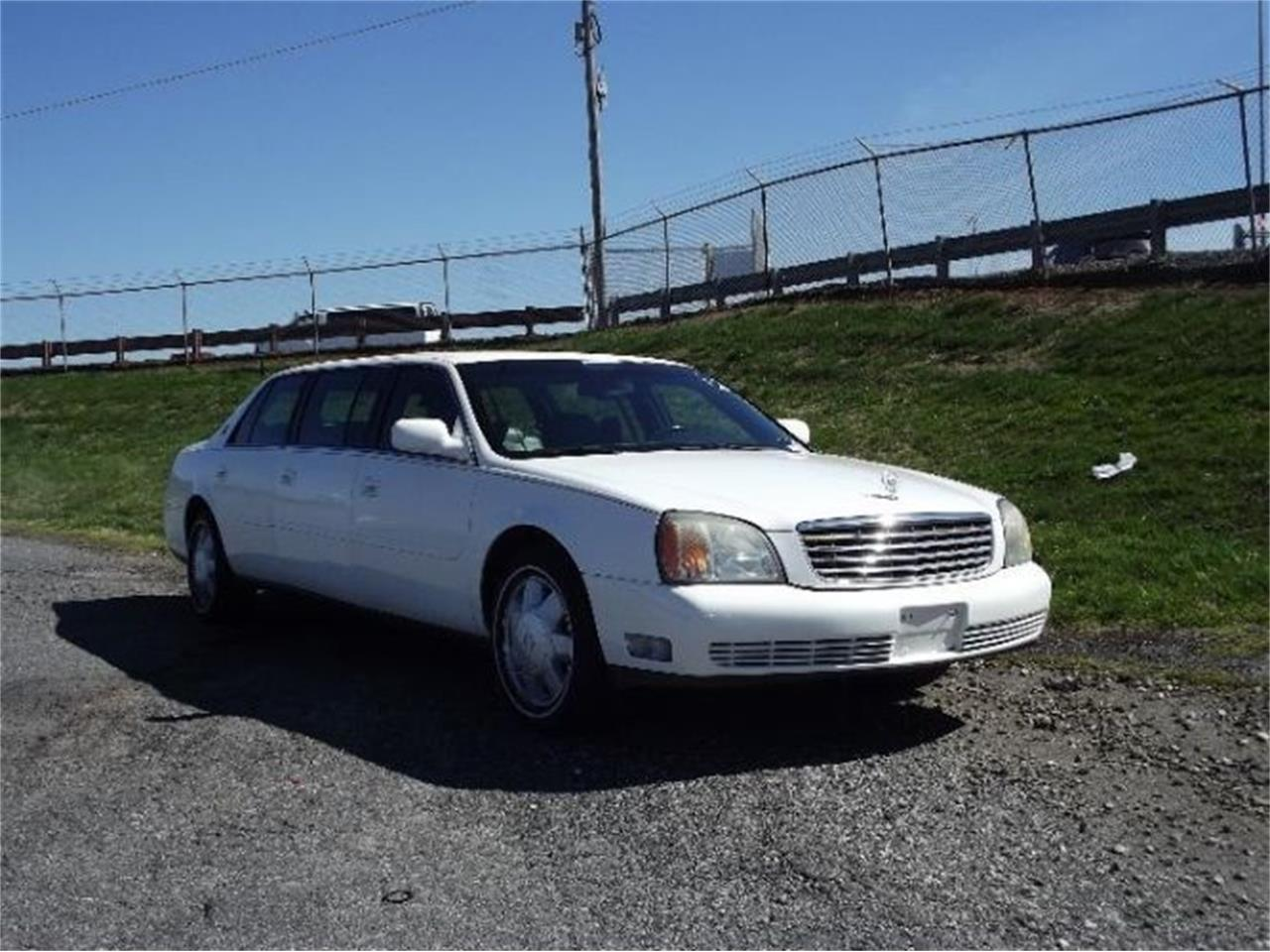 Large Picture of '01 Cadillac DeVille located in Cadillac Michigan - PWKW