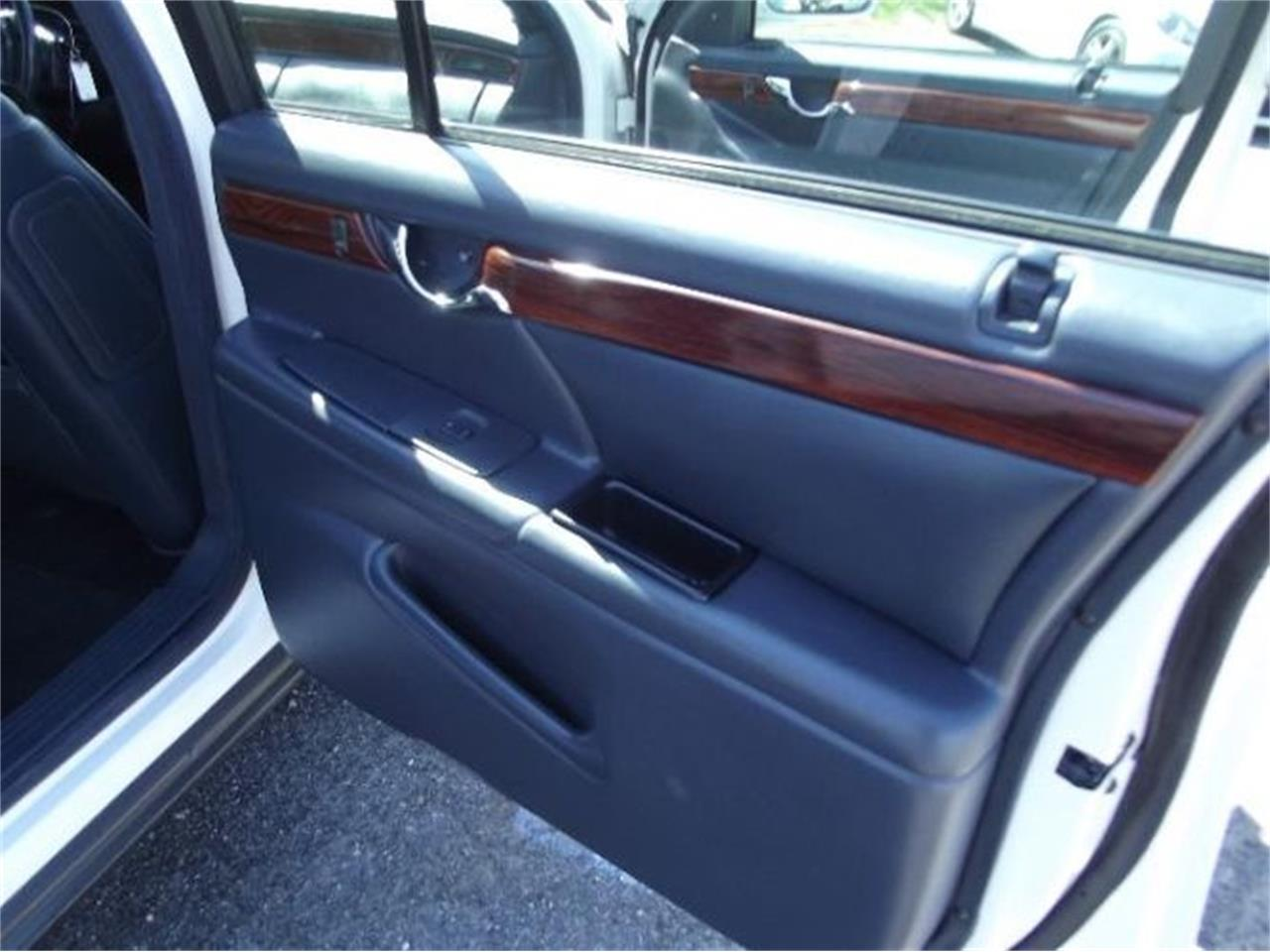 Large Picture of 2001 Cadillac DeVille - $9,395.00 Offered by Classic Car Deals - PWKW