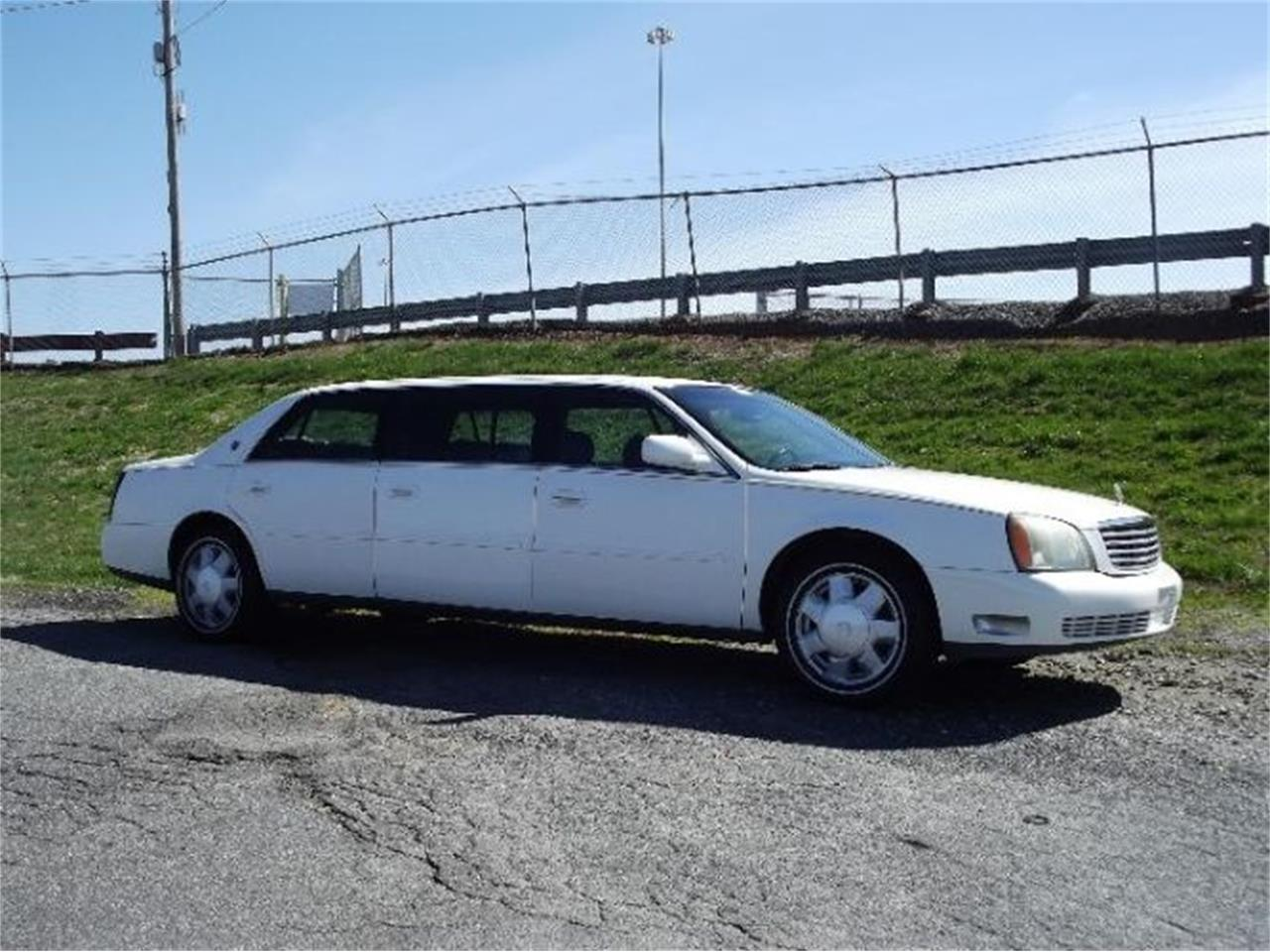 Large Picture of 2001 DeVille located in Michigan - $9,395.00 - PWKW