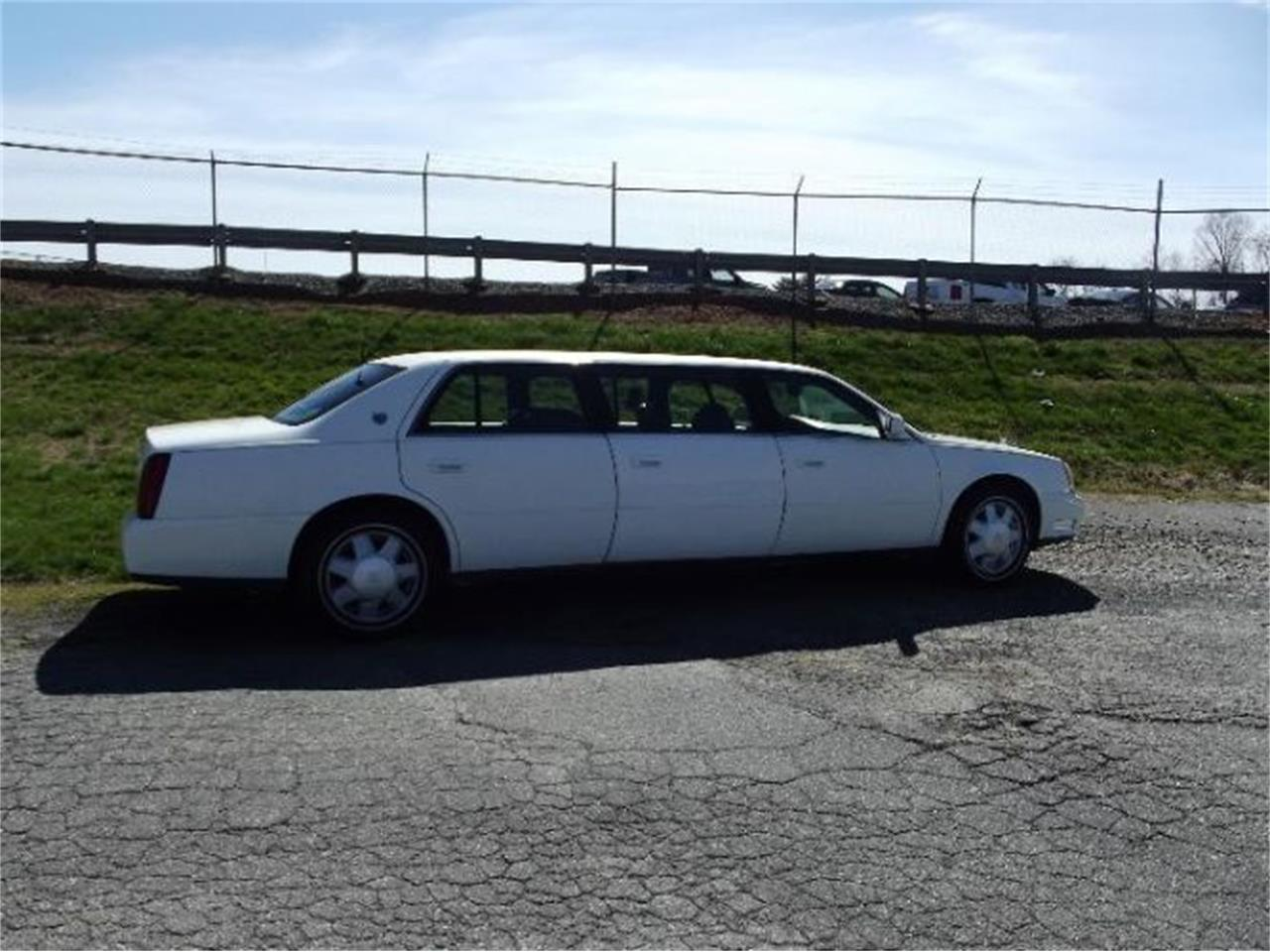 Large Picture of '01 Cadillac DeVille located in Cadillac Michigan - $9,395.00 - PWKW