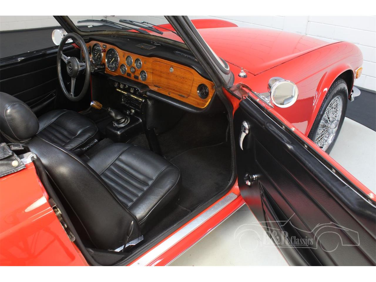Large Picture of 1973 Triumph TR6 Offered by E & R Classics - PWMQ