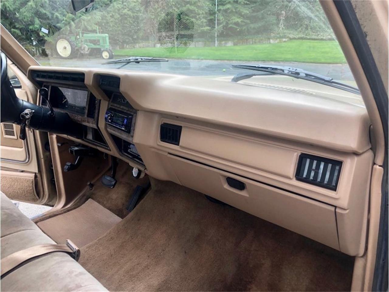 Large Picture of 1985 Ford F250 - PWMX