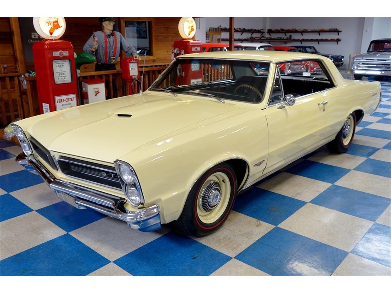 Large Picture of '65 Pontiac GTO located in New Braunfels Texas - PWOM