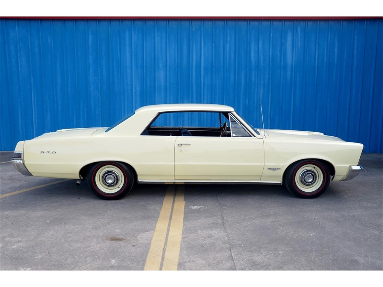 Large Picture of Classic '65 Pontiac GTO - PWOM
