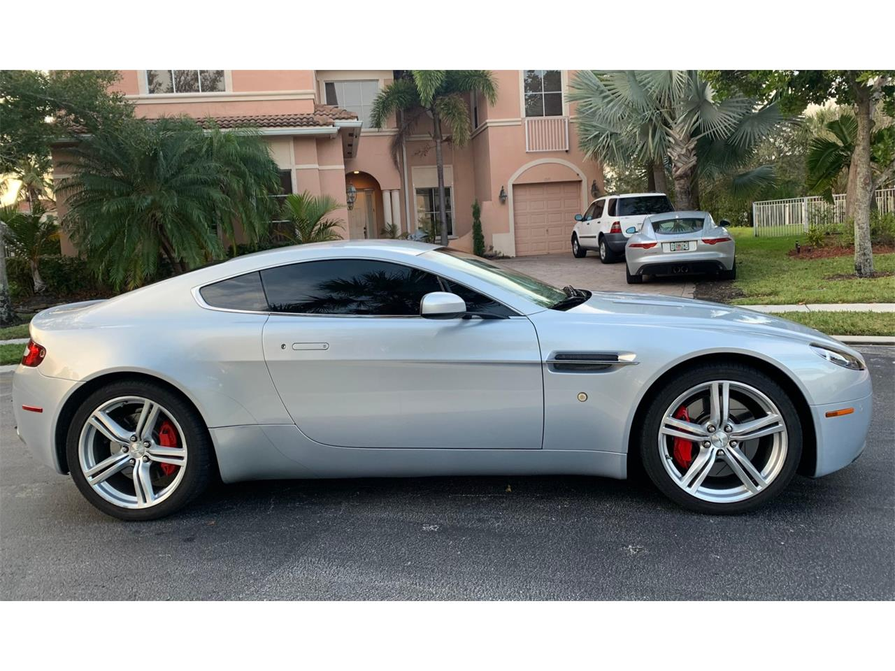 Large Picture of '09 Aston Martin Vantage Auction Vehicle Offered by Bring A Trailer - PWRX