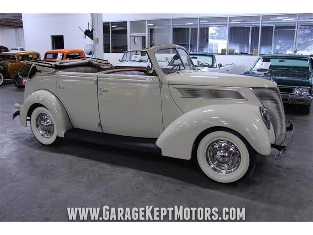 Large Picture of 1937 Deluxe Offered by Garage Kept Motors - PWYL