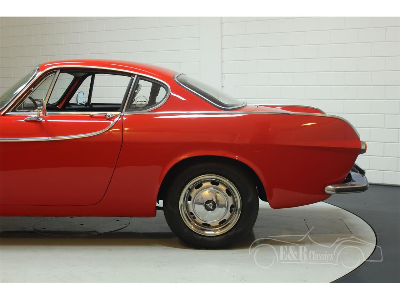 Large Picture of Classic '66 Volvo P1800S - PWZM