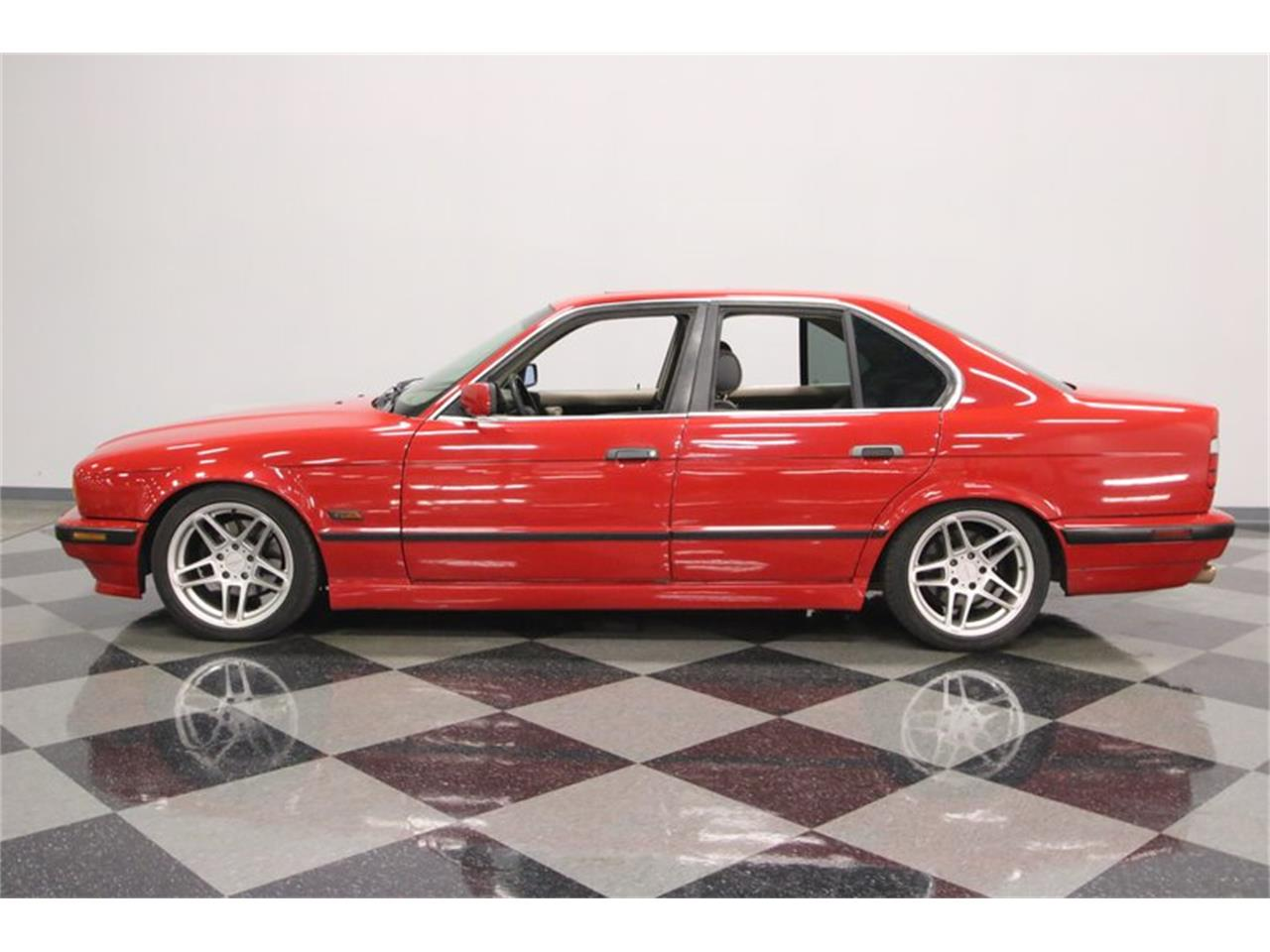 Large Picture of '95 BMW 525iT located in Lavergne Tennessee Offered by Streetside Classics - Nashville - PX0T