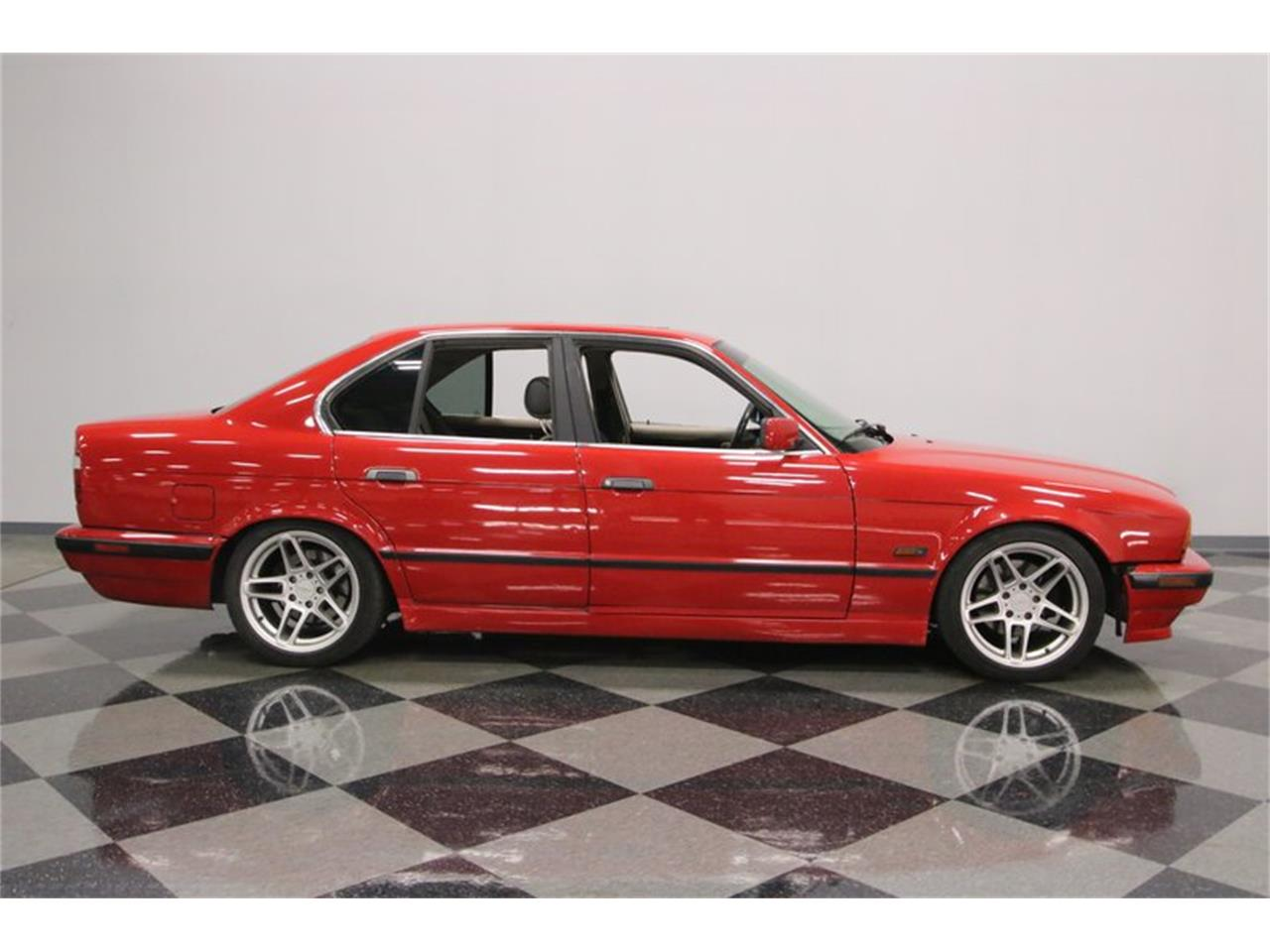 Large Picture of 1995 BMW 525iT Offered by Streetside Classics - Nashville - PX0T