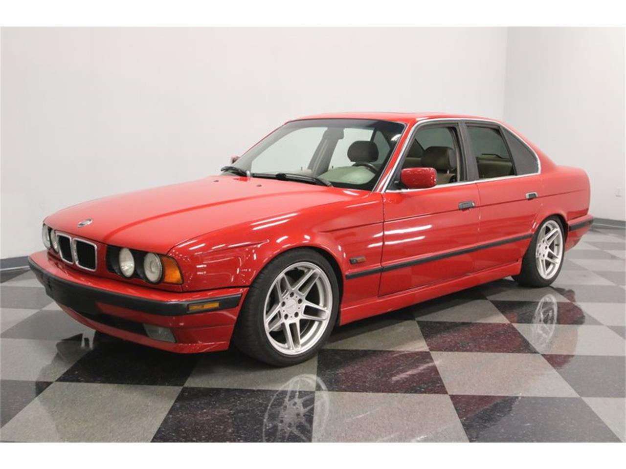 Large Picture of '95 BMW 525iT Offered by Streetside Classics - Nashville - PX0T