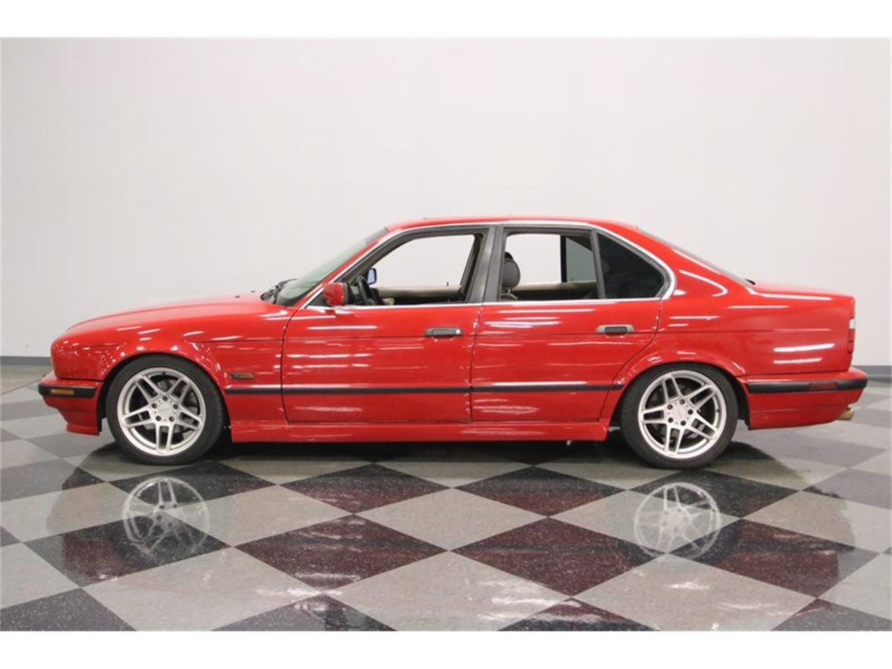 Large Picture of '95 525iT Offered by Streetside Classics - Nashville - PX0T