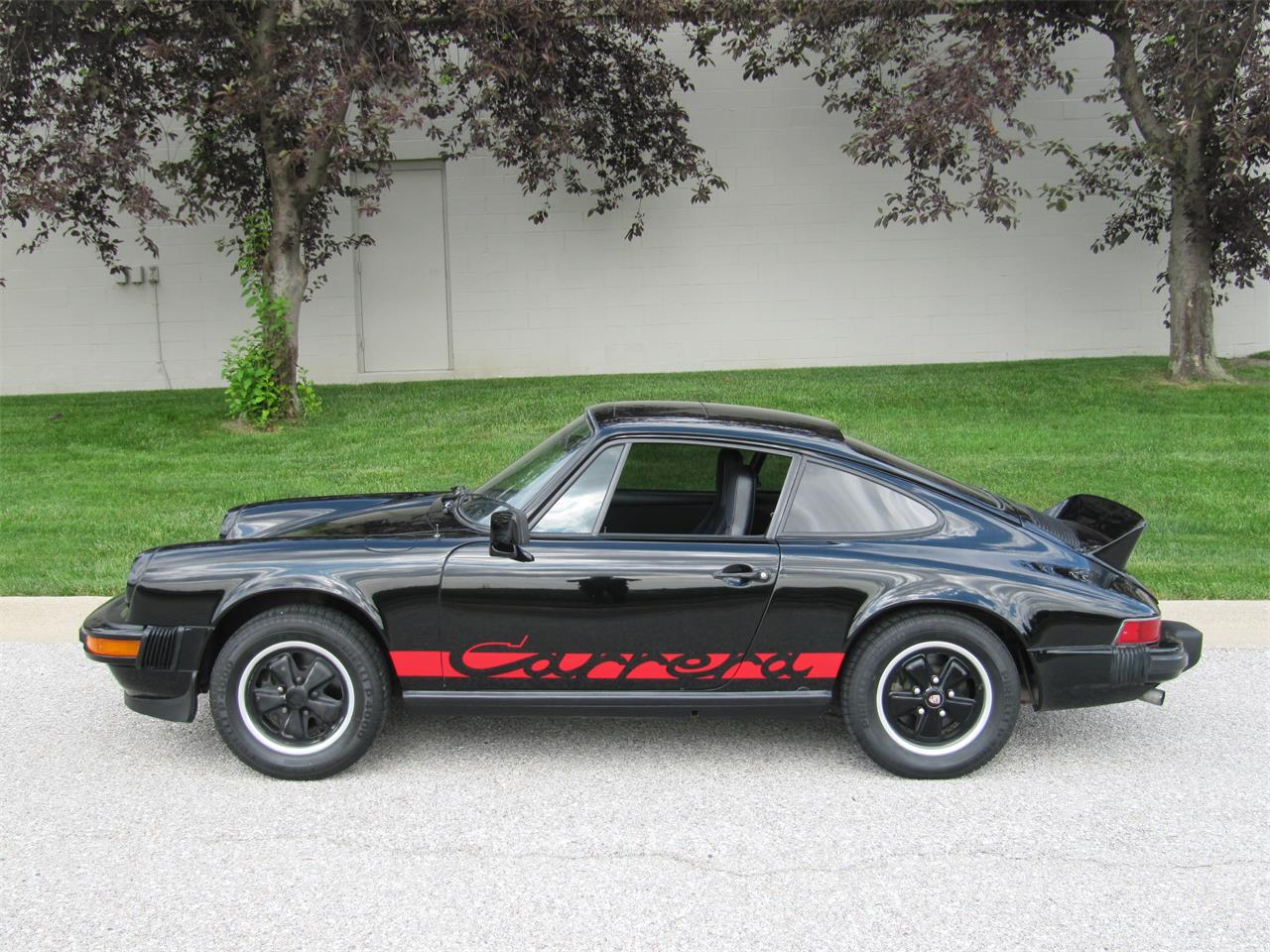 Large Picture of 1976 911 located in Nebraska - $39,900.00 Offered by Classic Auto Sales - PX40