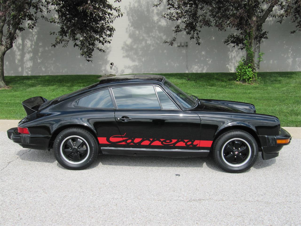 Large Picture of 1976 911 located in Omaha Nebraska Offered by Classic Auto Sales - PX40