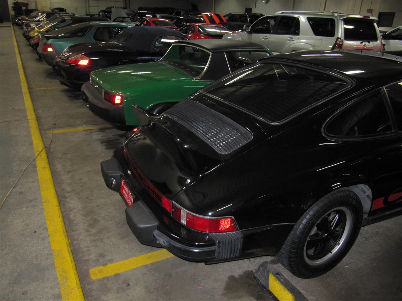 Large Picture of '76 Porsche 911 located in Omaha Nebraska Offered by Classic Auto Sales - PX40