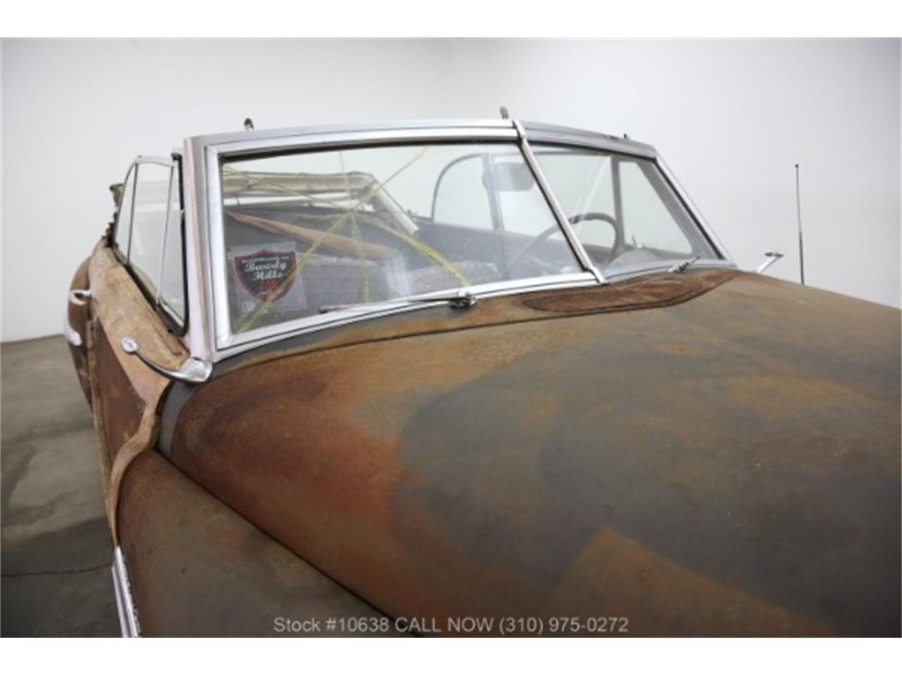 Large Picture of Classic 1949 Chrysler Town & Country located in Beverly Hills California - PQN9