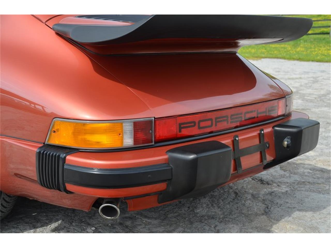 Large Picture of '84 Porsche 911 located in Lebanon Tennessee Offered by Frazier Motor Car Company - PX8U