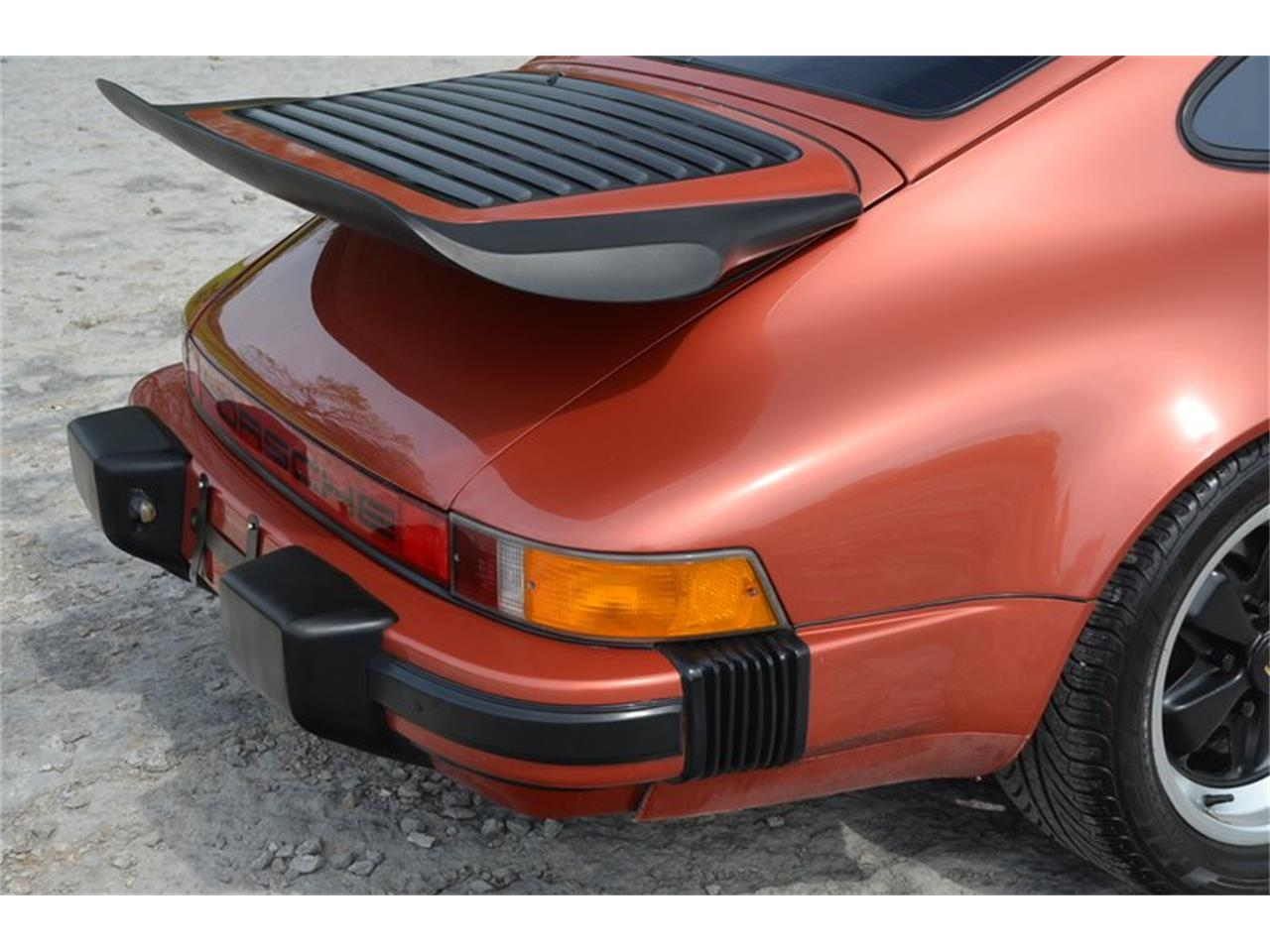 Large Picture of 1984 Porsche 911 located in Lebanon Tennessee Offered by Frazier Motor Car Company - PX8U