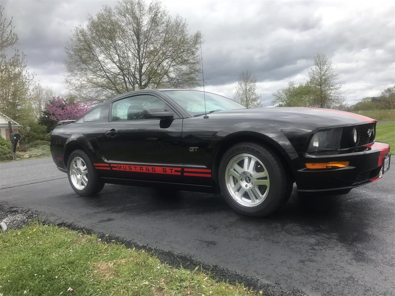 Large Picture of 2007 Ford Mustang GT located in Virginia - PX9X
