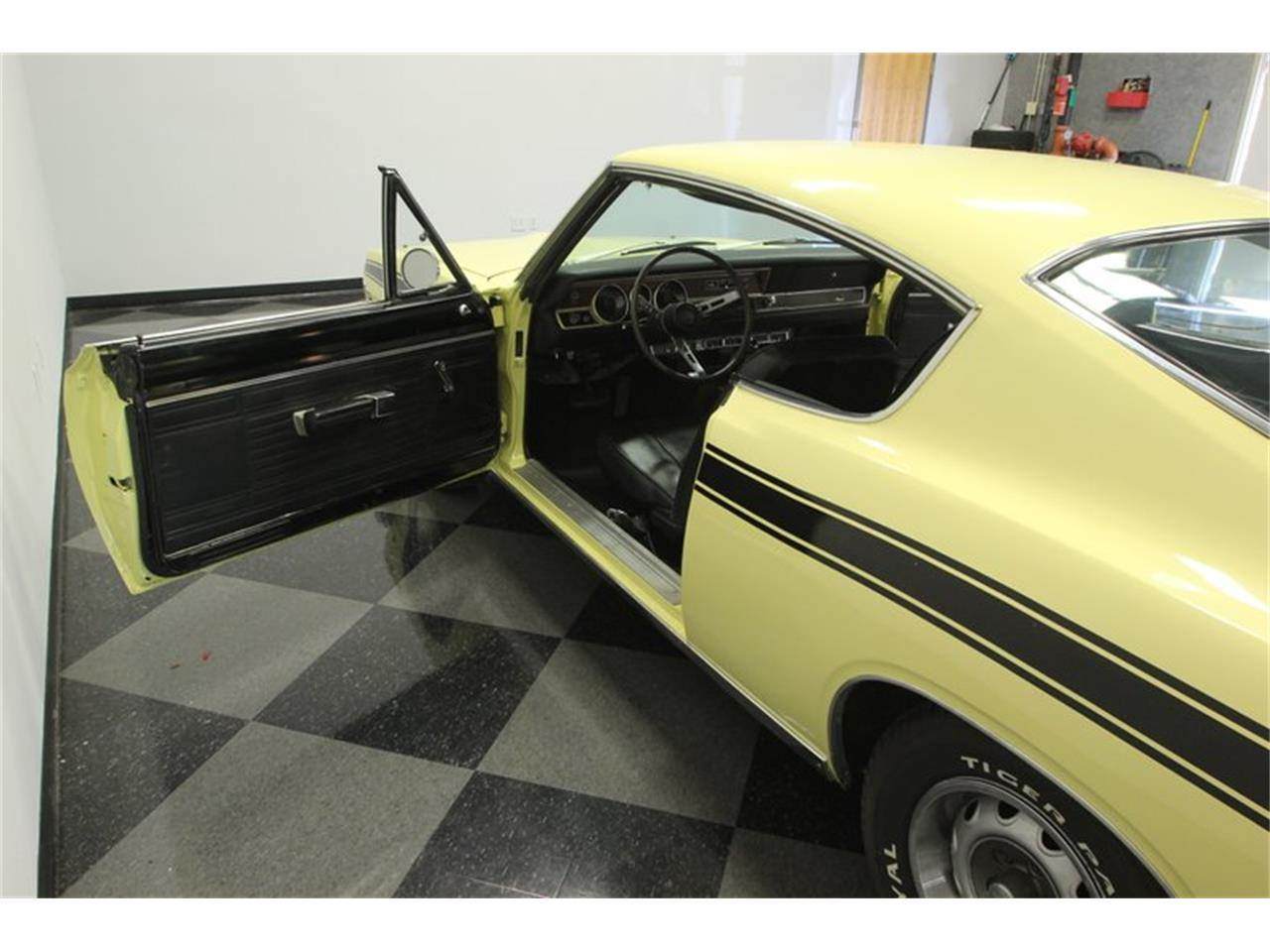 Large Picture of 1969 Barracuda - PXAO