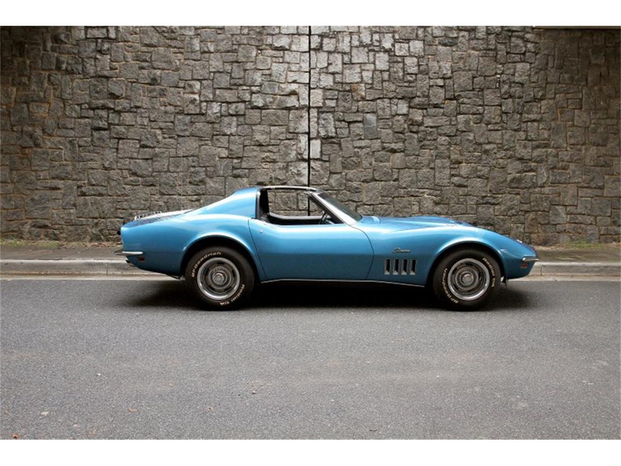 Large Picture of Classic 1969 Chevrolet Corvette Offered by Motorcar Studio - PQNZ