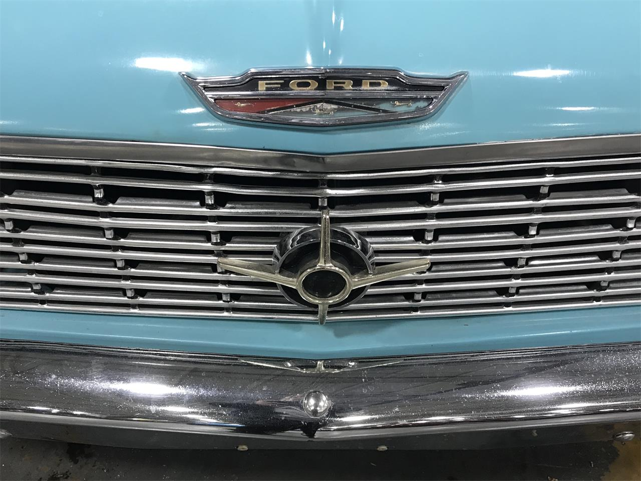 Large Picture of Classic 1962 Ford Galaxie - PXD4
