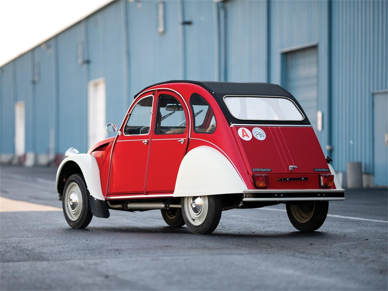 Large Picture of 1975 2CV located in Indiana Offered by RM Sotheby's - PXG9
